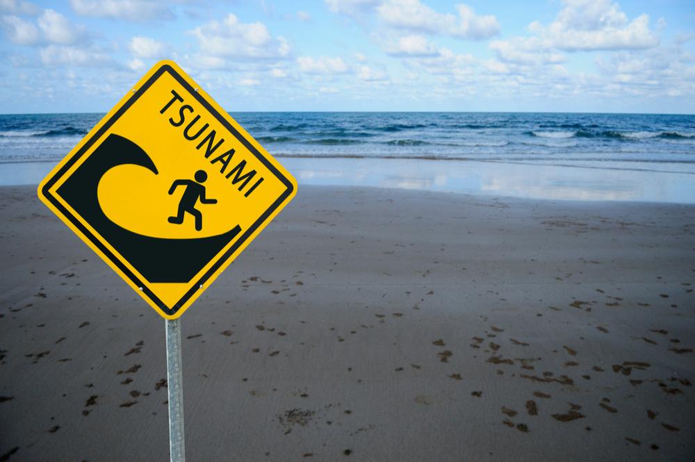 Ocean tsunami sign